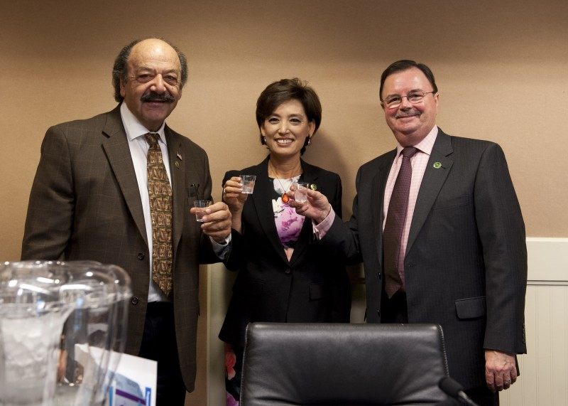 Assemblymembers Rich Gordon (right), Young Kim (center) and Katcho Achadjian (left) sample recycled water that has been purified for drinking. (Assembly Democratic Caucus)