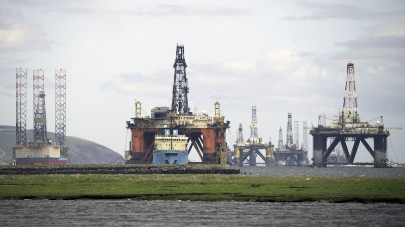 Oil rigs on the coast of Scotland idled in 2015 due to low oil prices. (Michael Elleray/Flickr, CC BY)