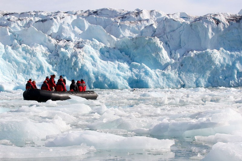 Tourism, shipping and natural resource extraction companies are all interested in advance predictions on the state of the summer sea ice. (Wikimedia/Gary Bembridge)