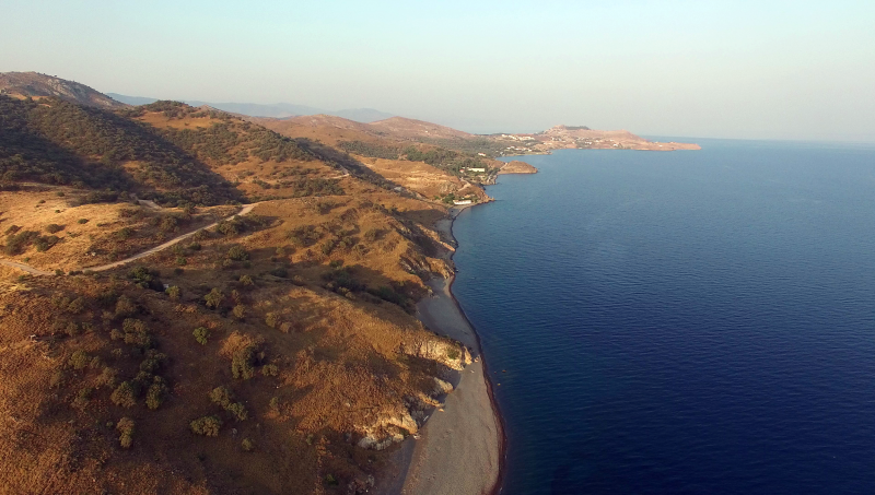 """Over the summer months, the coast of Lesbos was empty of both refugees and tourists, who are its main source of revenue. Meanwhile, architects of the E.U.–Turkey deal claim that Greece is becoming the """"Nauru Island of Europe."""" (Iason Athanasiadis)"""
