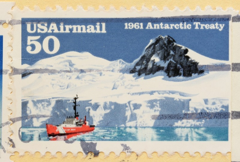 The Antarctic Treaty banned all mining, oil exploration and military presence. (Flickr, CC BY-NC-SA 2.0/Ben Hutchison)